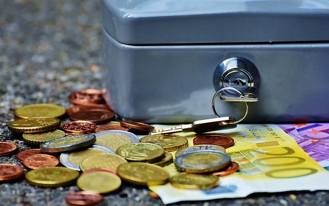 Kasetka i pieniądze