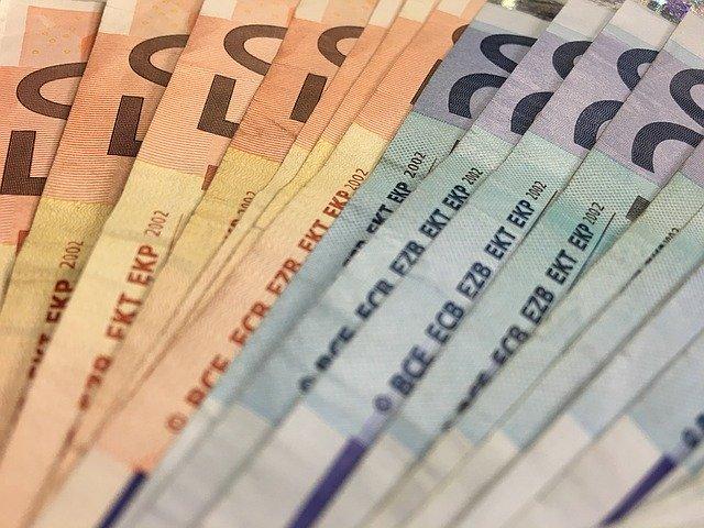 Ułożone banknoty