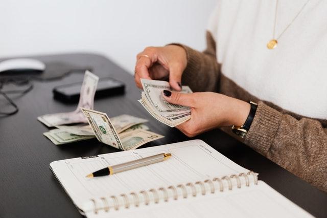 udzielania pożyczki